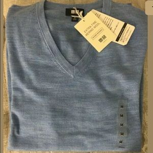 Uniqlo Extra Fine Merino Wool Vneck Sweater M BLUE
